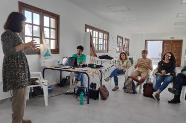 "<span class=""highlighted bluebg-whitefg"">Infancia y Juventud</span><br>Jornada #01"